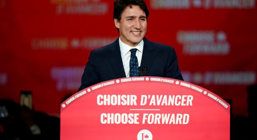 Det Liberale Parti og Trudeau står til at kunne fortsætte i regering efter valg i Canada.