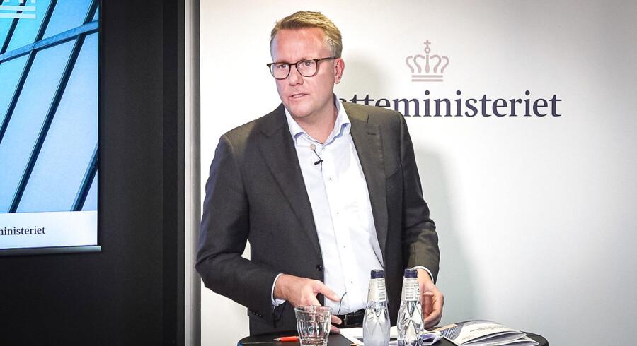 Skatteminister Morten Bødskov (S) var – belært af sine fire første måneder på posten – tilbageholdende med at udstede garantier på pressemødet om de akutte problemer i skattevæsenet.