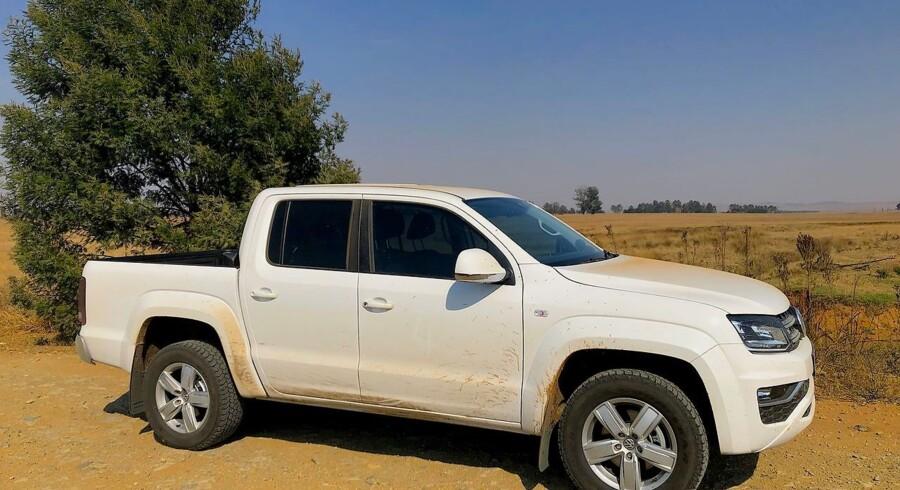 Åbne vidder og uendelige grusveje. Om det er i Sydamerika eller som her i Sydafrika, er det den moderne pickups hjemmebane, og det har vist sig sværere end antaget at få de kræsne europæere om bord i en pickup.