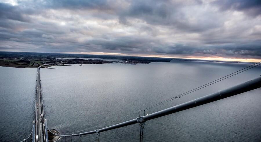 »En Kattegatbro er et perspektivrigt projekt. Den vil binde Danmark bedre sammen, rejsetiden mellem København og Aarhus vil kunne reduceres til højst halvanden time,« skriver Ole P. Kristensen.