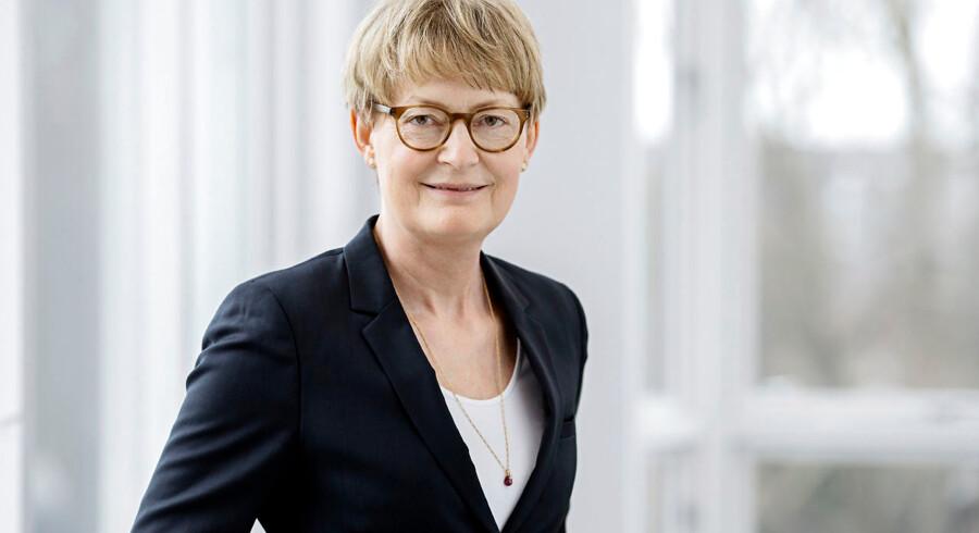 Ida Sofie Jensen er formand for den rige pengetank, Tryghedsgruppen. Tidligere var det et gyldent ben uden den store opmærksomhed. Men i takt med at pengene vælter ind, stiger også kampen om at magten i Tryghedsgruppen. Ida Sofie Jensen skal forsøge at balancere en række forskellige holdninger.
