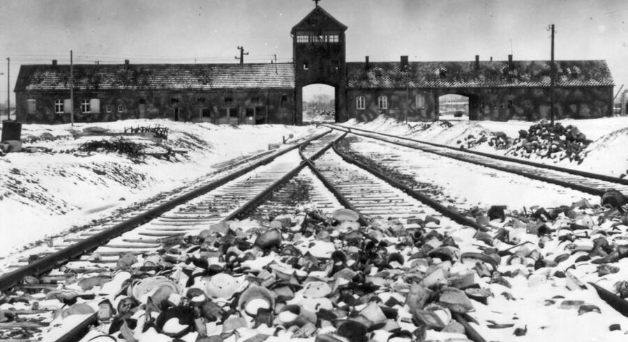 Arkivfoto af den nazistiske koncentrationslejr Auschwitz II-Birkenau. I disse dage er det 75 år siden, at lejren blev befriet af sovjetiske tropper. Trods historien om det nazistiske folkemord vækker en spirende antisemitisme i Europa atter bekymring hos stats- og regeringschefer i flere EU-lande.