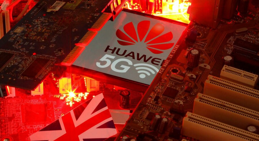 »Fra den amerikanske administration udtales skuffelse over Storbritanniens beslutning samt at selv med de foreslåede begrænsninger, er der fortsat risiko forbundet ved at lukke Huawei indenfor i 5G,« skriver Jonas Parello-Plesner.