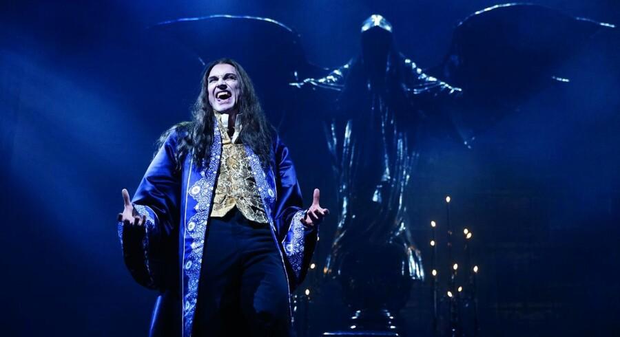 Peter Jorde er en flot overvampyr, men musicalen »Dance of the Vampires« savner reelt bid og egentlig retning.