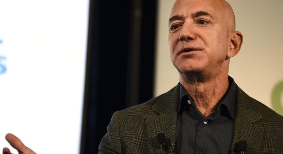Da virksomheden Amazon 1998 endnu var ung, slog grundlæggeren Jeff Bezos fast, at »vi vil gøre alle bøger tilgængelige. Den gode, den onde og den virkeligt slemme!«