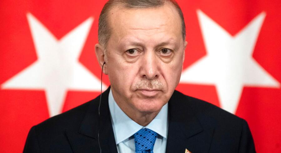 Med kaosset ved den tyrkisk-græske grænse er flygtninge- og migrantpolitikken vendt tilbage til den absolutte top af EUs dagsorden. EU-landenes muligheder for at reagere i fællesskab svækkes af fire »undladelsessynder«. F.eks. er EUs fælles grænse- og kystbevogtning langt fra klar