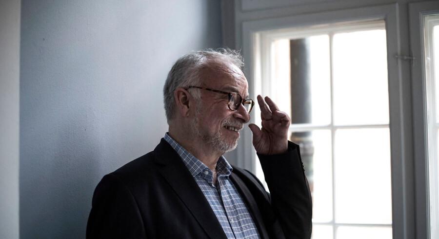 »Jeg tænder også et stearinlys i den stue, som jeg sidder i. Det er en hilsen til dem på gaden og en måde at minde mig selv om lys, varme og forår,« siger Peter Skov-Jakobsen, biskop i København.