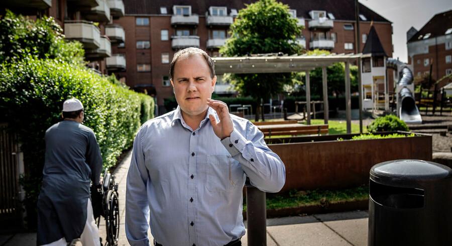 »Når et land er presset, skal der passes på befolkningen. Og selvom de fleste godt ved, hvad der er det rigtige at gøre, tager det tid at nå frem til det indlysende,« skriver Martin Henriksen.