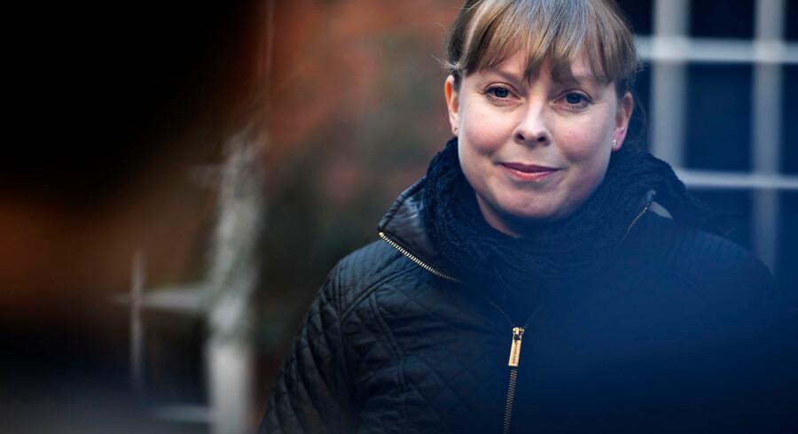 Det lykkedes onsdag for kulturminister Joy Mogensen at forhandle en medieaftale på plads, der skal komme de danske medier til hjælp efter et dramatisk fald i annoncesalg. Medierne får nu 180 millioner kroner i coronastøtte.