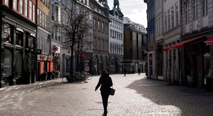 Statsminister Mette Frederiksen (S) vil delvist genåbne Danmark efter påske, men har også forlænget lukningen af store dele af erhvervslivet, hvilket de seneste uger har lagt gaderne øde.