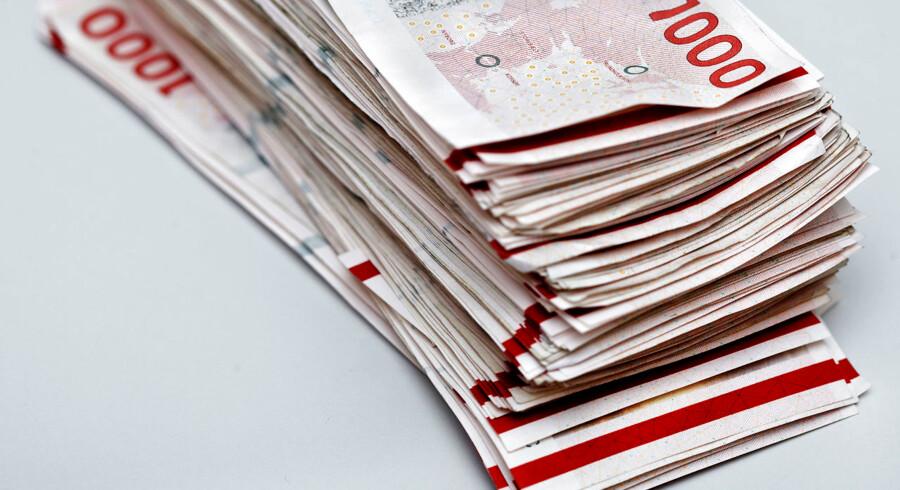Har man en stak tusindkronesedler liggende, kan det være, at man skal overveje at investere dem via en aktiesparekonto. Med et nyt lovforslag, som forventes at blive vedtaget 28. maj, bliver loftet for, hvor mange penge man kan skyde ind på ordningen, sat betydeligt op.