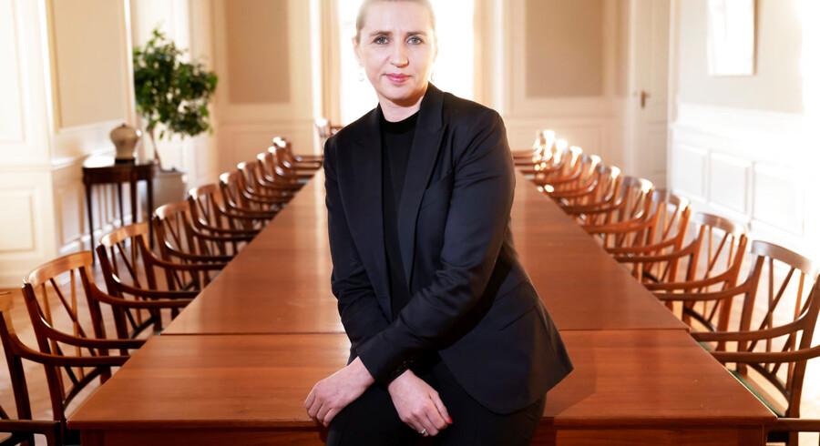 Statsminister Mette Frederiksen (S) slog onsdag fast, at man skal være en del af et sikkerhedspolitisk fællesskab for at levere til kritisk dansk infrastruktur. Det er et »vigtigt og rigtigt skridt,« skriver Pierre Collignon i denne leder.