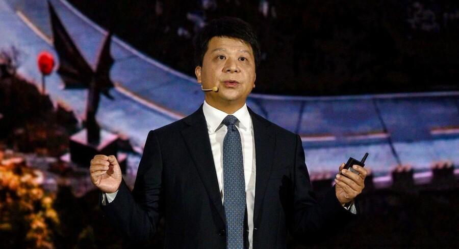 Huaweis topchef, Guo Ping, understregede mandag på en analytikerkonference, at selskabet kæmper for sin overlevelse og ikke har til hensigt at give op trods de netop udvidede amerikanske sanktioner.