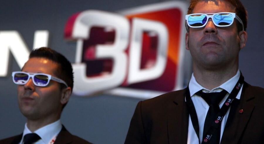 TV-branchen står overfor store udfordringer, men også kæmpe udviklingsmuligheder, hvis man skal vinde krigen om forbrugeren i fremtiden. Bl.a. er 3D fladskærme ved at blive almindeligt.