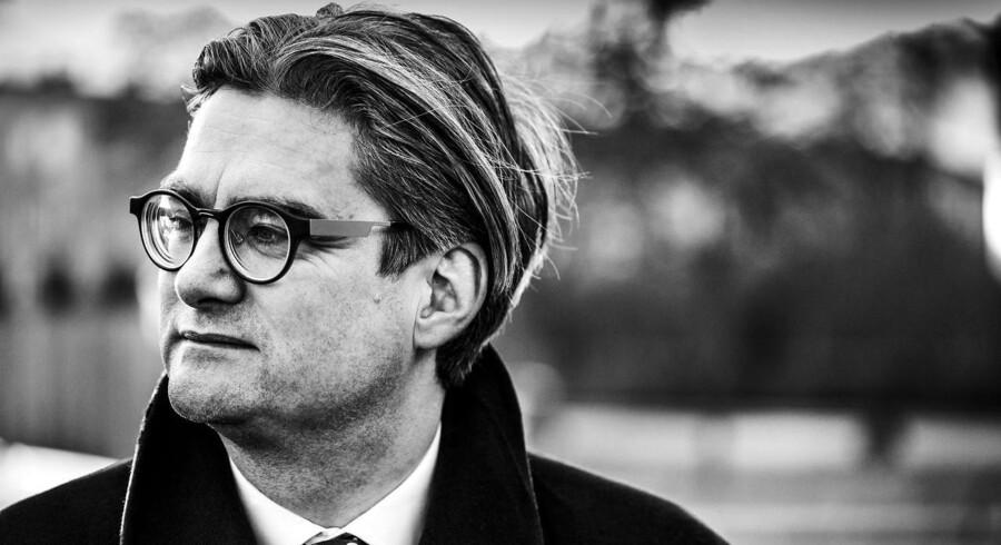 Den nye offentlighedslov skal ses som de folkevalgtes og demokratiets naturlige selvforsvar imod en presse, som er gået fuldstændig amok i proces og i nyfigenhed, mener Venstres Søren Pind.