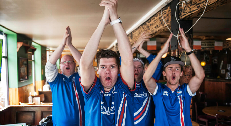 Fotos fra Island i forbindelse med det islandske landsholds kamp mod Frankrig til EM. Fans inden kamp