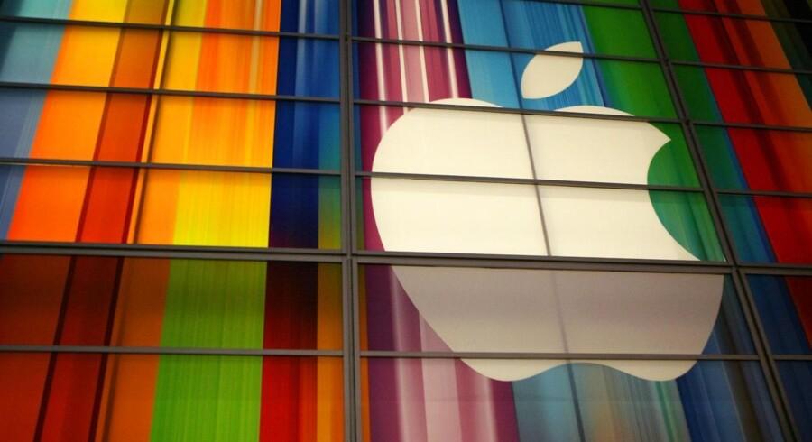 Apple mener, at svenske Ericsson tager sig alt for godt betalt for, at teknologiproducenter må anvende Ericssons teknologi, og har derfor lagt sag an mod den svenske gigant. Arkivfoto: Kimihiro Hoshino, AFP/Scanpix