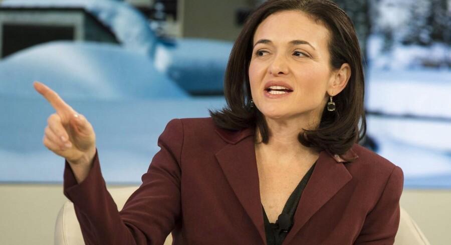 Sheryl Sandberg, som er ansvarlig for den daglige drift hos Facebook, bekræfter, at det sociale netværk har travlt med at ansætte flere folk. Arkivfoto: Jean-Christophe Bott, EPA/Scanpix