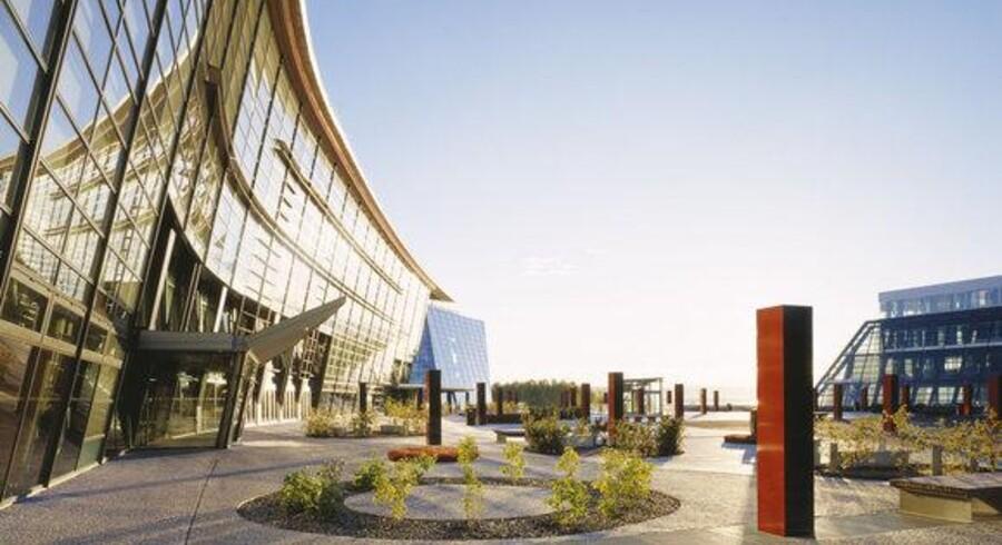 Norges svar på TDC, Telenor (her hovedkvarteret i Fornebu ved Oslo), har nu premiere på TV via netforbindelsen - blot ikke i Danmark. Foto: Telenor