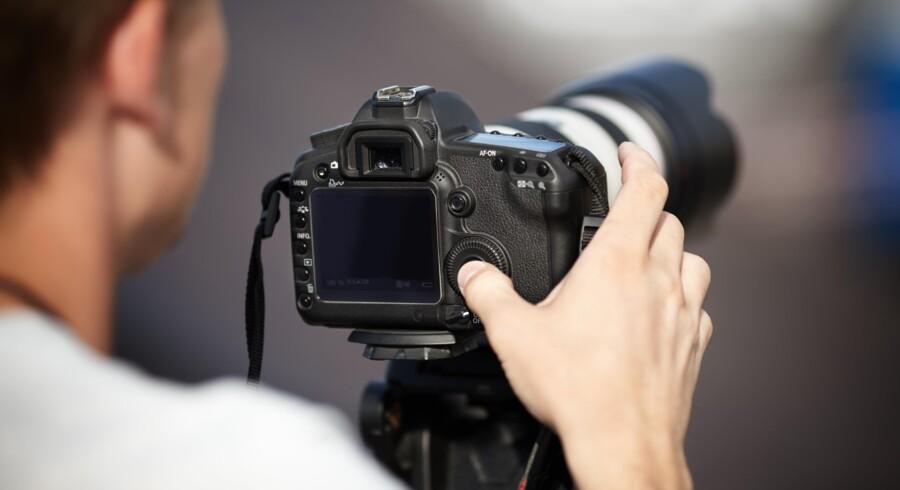 Indkøbsforeningen Team DS er blevet politianmeldt for at manipulere priserne på kameraer og fotoudstyr.