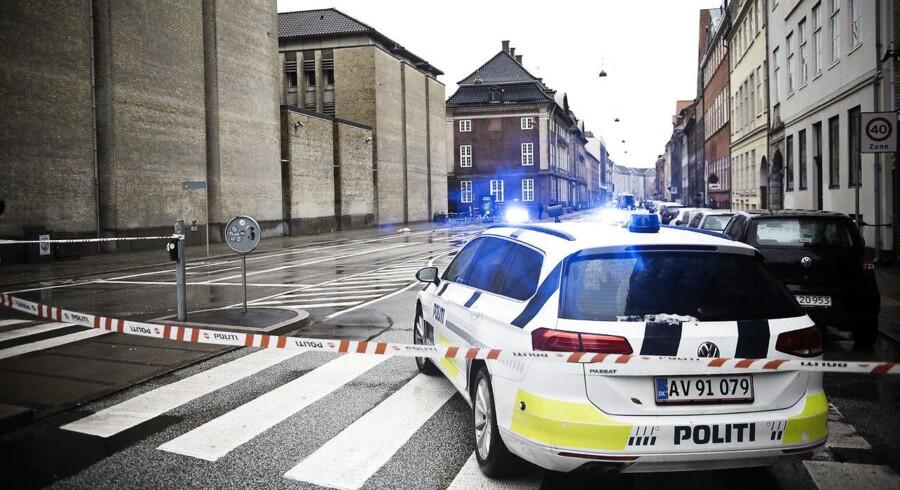 ARKIVFOTO fra en bombetrussel ved Udenrigsministeriets bygninger på Christianshavn i København, fotograferet søndag den 22. november 2015.