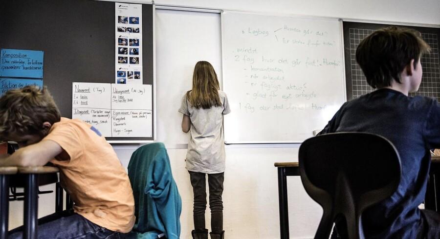 ARKIVFOTO. Ifølge forældre til folkeskoleelever er den længere skoledag ikke blevet fyldt ud med mere indhold.