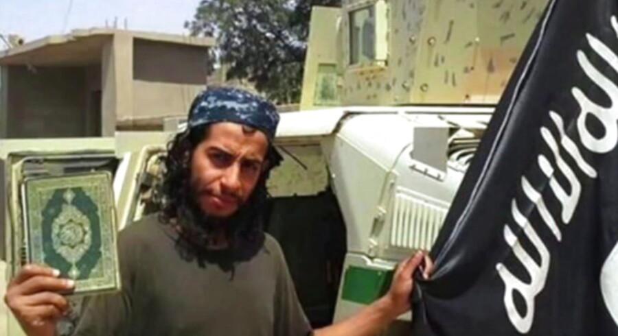 28-årige Abdelhamid Abaaoud er blevet kaldt hjernen bag terrorangrebet i Paris. Nu støtter nye informationer op om den teori.