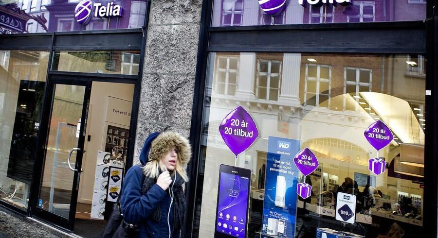 Kampen om de danske mobilkunder er fortsat hård og brutal - især for økonomien. Telia er det andet af de fire store teleselskaber, som fremlægger regnskab for sommerperioden. Arkivfoto: Nils Meilvang, Scanpix