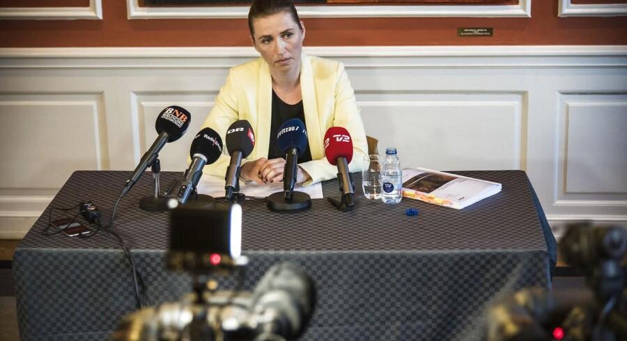 Arkivfoto fra pressemødet onsdag 6. maj, hvor justitsminister Mette Frederiksen (S) præsenterer Rigspolitiets redegørelse.