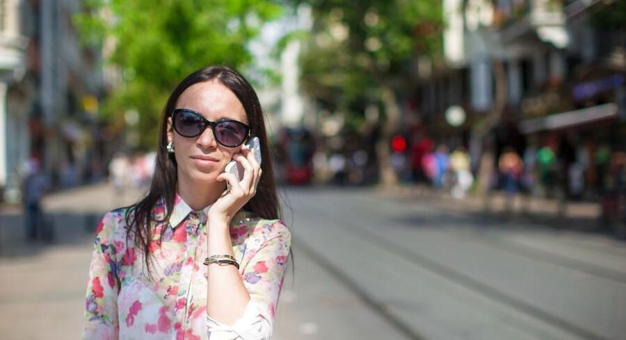 Sommerferien byder i år ikke på lavere mobilpriser - de er de samme som sidste år, fordi EU-landene ikke kan blive enige om at afskaffe den såkaldte roaming, eller udlandstaksterne, helt. Arkivfoto: Iris/Scanpix