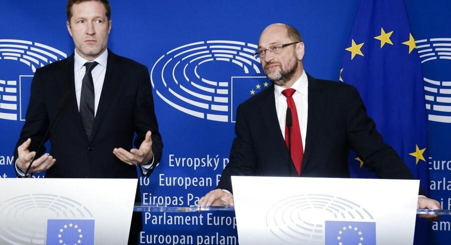 - Hvis Michel ikke kan forsikre Tusk om, at Belgien vil være i stand til at give grønt lys for Ceta-aftalen, så vil underskrivelsesceremonien blive aflyst, og der vil ikke blive fastsat nogen ny dato for den, siger EU-kilden.