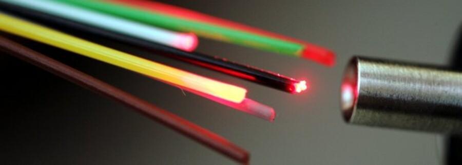 TDC bliver nu en af landets største fiberselskaber efter købet af DONG Energys net. Foto: Colourbox