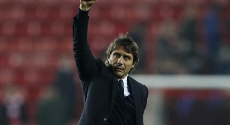 Chelsea-manager Antonio Conte er stolt over holdets stime på ti sejre i Premier League. Reuters/Lee Smith