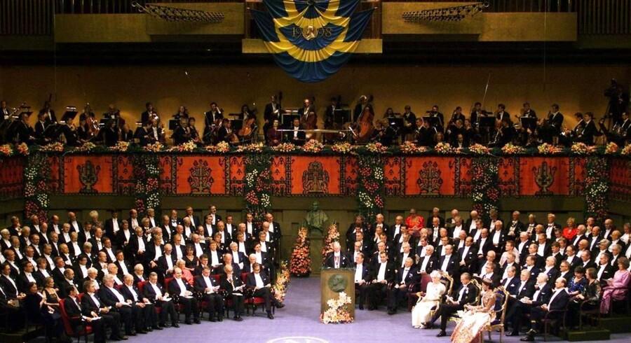 Nobelprisen uddeles i Sverige.