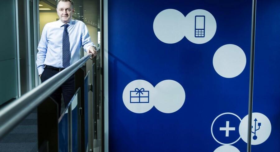 TDCs koncernchef, Carsten Dilling, er godt tilfreds med årets første måneder, selv om kunderne strømmer væk. De skal vindes på andre fronter, mener han.