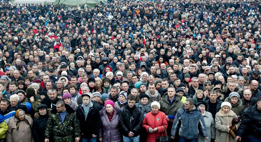Ukrainerne samlet på Uafhængighedspladsen i Kiev.