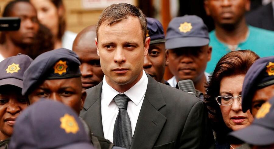Tidligere sportsstjerne vil appellere sin øgede fængselsstraf på 13 år og fem måneder ved forfatningsdomstol.