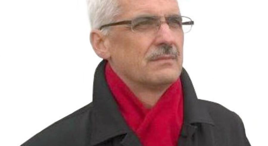 Lázló Hellebrandt, Ungarns ambassadør