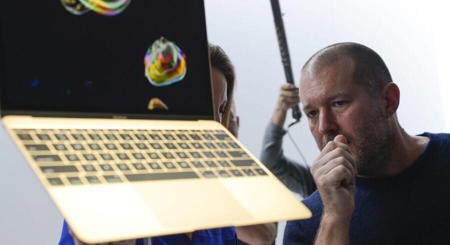 Jonathan Ive står bag rigtig mange af Apples produkter helt ned i detaljen. Nu er han udnævnt til koncerndirektør. ?Arkivfoto: Xinhua/Sipa USA