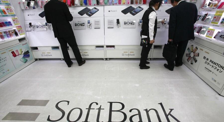 Den japanske telekoncern Softbank er del af Tokyo-børsens hårde kerne tirsdag, hvor aktien stiger op mod 16 pct.. Arkivfoto.