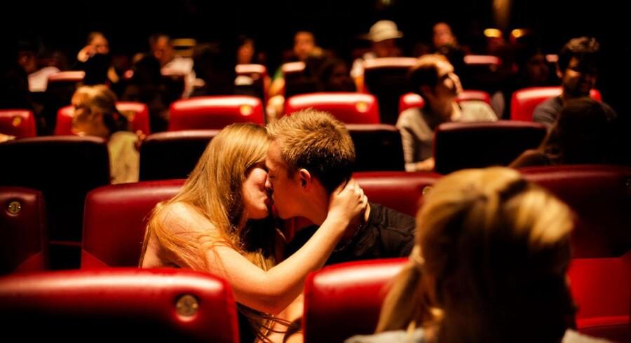 ARKIVFOTO. Biografgæster i Palads Bio i København søndag den 10. august 2014, hvor de ser filmen Lucy med Scarlett Johansson i hovedrollen.