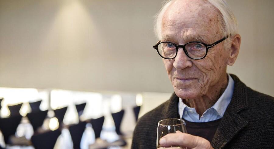Den kendte danske komponist Bent Fabricius Bjerre skal modtage en life achievement award i Cannes.