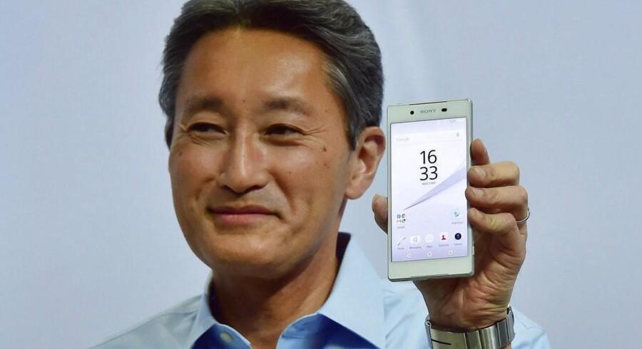 Sonys topchef, Kazuo Hirai, præsenterede selv den nye toptelefon, Xperia Z5, som - igen - har fået kameraerne væsentligt forbedret og fortsat er vandtæt. Den ligeledes populære lillebror, Z5 Compact, lanceres samtidig. Foto: John MacDougall, AFP/Scanpix
