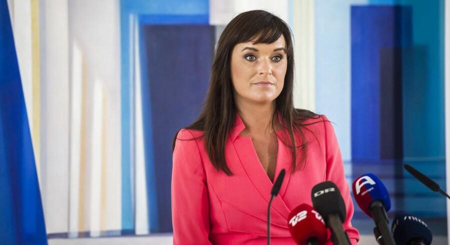 Sophie Løhde og borgmester i Høje-Taastrup, Michael Ziegler, møder op med et krav om, at lønnen ikke må være højere end i det private, skriver Børsen.