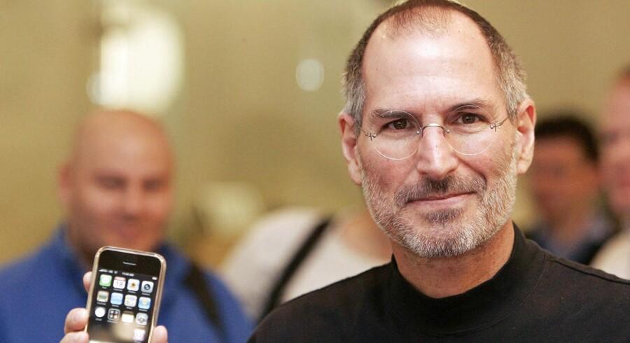Steve Jobs, der senest stod i spidsen for Apple fra 1997 til sin død i 2011, fortsætter med at skabe debat. En ny film tegner et mindre rosenrødt billede af manden bag succeser som iPhone, iPad og iPod. Arkivfoto: Shaun Curry, AFP/Scanpix