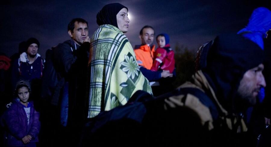 Mens vinteren nærmer sig hober flygtninge og migranter sig op på ruten gennem Balkan og videre op mod Tyskland, Østrig og de nordiske lande. I weekenden forsøgte de europæiske lande på et minitopmøde i Bruxelles at enes om, hvad man skal gøre.
