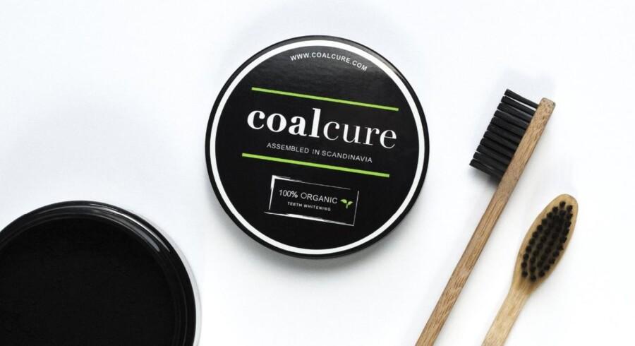 CoalCure er et organisk og vegansk tandblegningsprodukt. Foto: CoalCure.dk