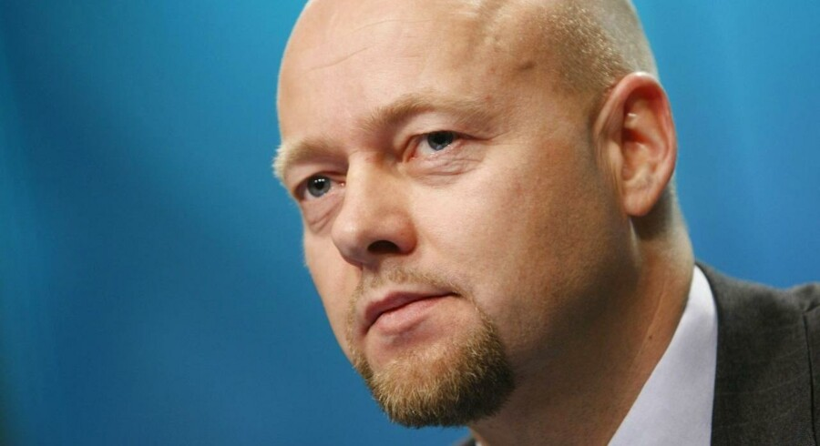 Den statslige norske fond har tabt cirka 5 pct. på sine investeringer i løbet af den sidste måned, fortæller den administrerende direktør i fonden, Yngve Slyngstad.