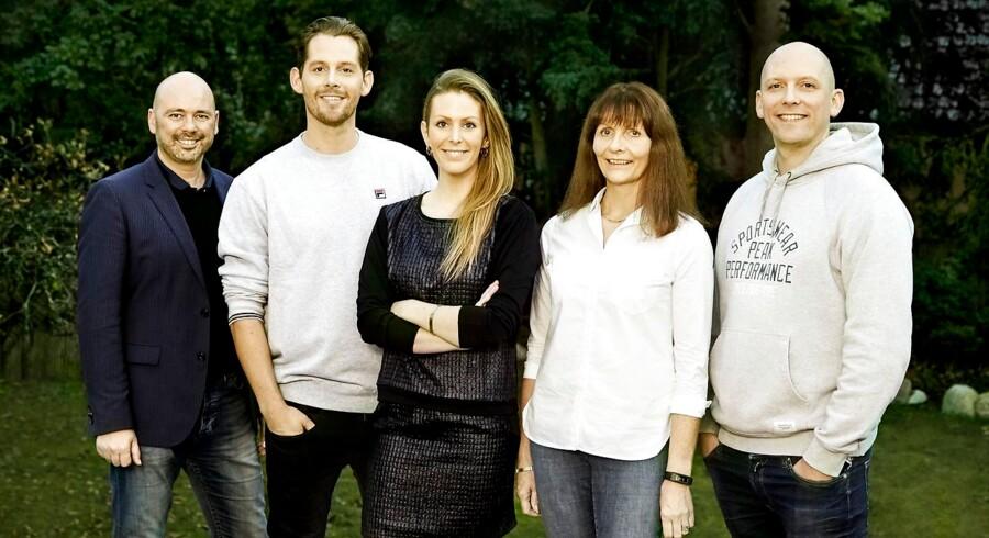 Søren Møller med familien Seebach Pressebillede - Familien Sebach sammen med Teater direktør Søren Møller/Fredericia Teater.
