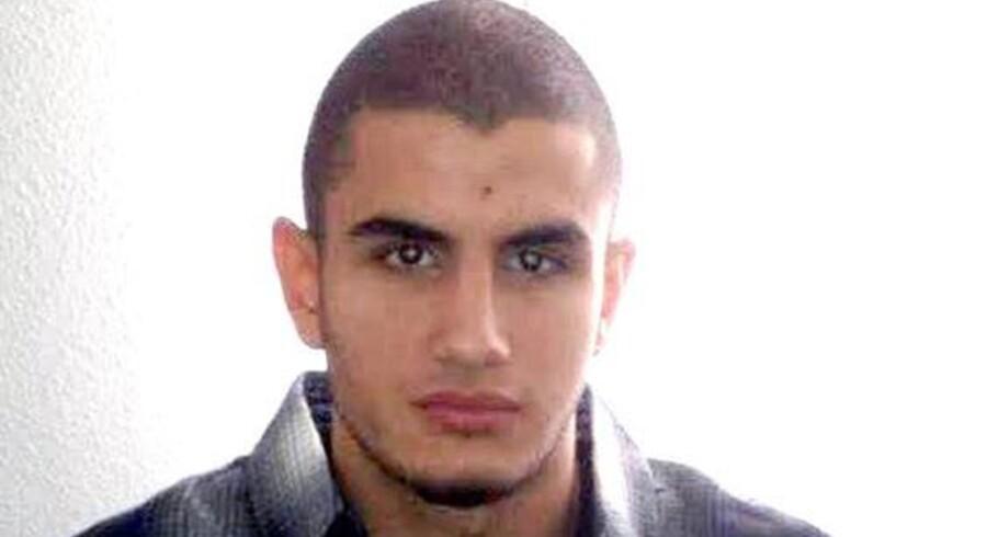 Gerningsmanden bag terrorangrebet i København hyldes som en martyr i den nyeste udgave af terrorgruppen Islamisk Stats officielle magasin, Dabiq.